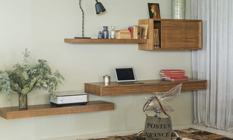 Ode - floating cantilever shelves